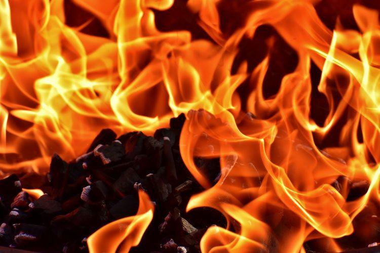 Czy kominek elektryczny daje ciepło?