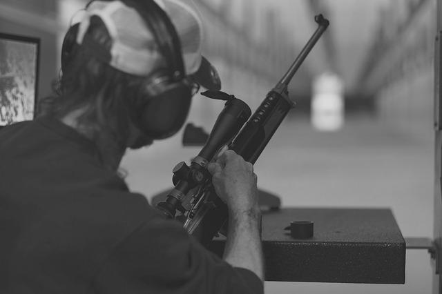 Strzelanie z broni palnej - rób to legalnie na krakowskiej strzelnicy GoToShoot!